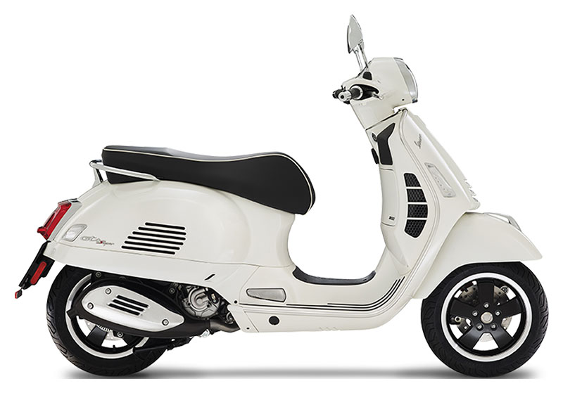 Vespa GTS Super 300 HPE White